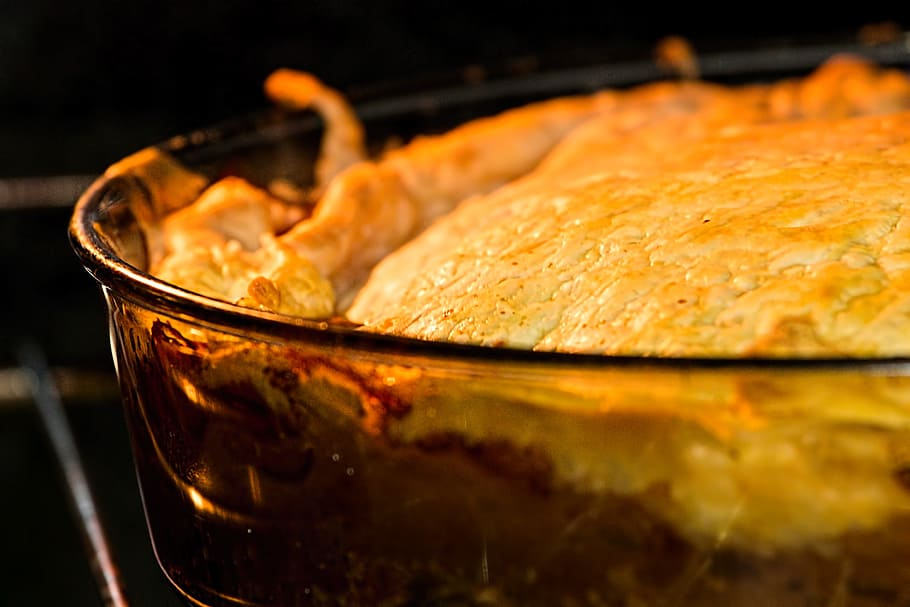 Porky Down's Traditional Chicken Pie